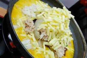 又有新口味!拼食三郎推出蟹黃芝士雞鍋
