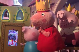 九龍灣Peppa Pig聖誕城堡!15呎音樂噴泉+期間限定店