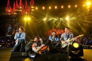五月天巡唱香港站首次移師戶外  落實迪士尼舉行