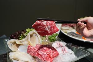 米線店推$128火鍋放題 任食逾40款配料+送海鮮拼盤