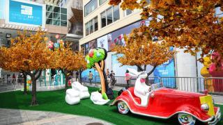 紅葉中的《漫遊仙境》!3月海港城Art in Life展覽
