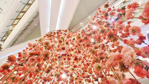 花朵將我包圍!尖沙咀3米高橙色藝術花園