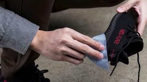 抺走鞋面上的污積!2日快閃送抹鞋濕紙巾