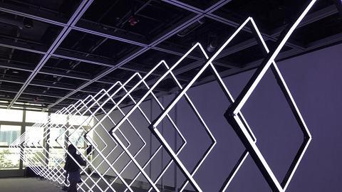 彈香水鋼琴+光控音樂!中環聲音光影新媒體藝術展
