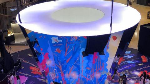 【金鐘好去處】太古廣場期間限定裝置!大型互動鏡面日與夜場景