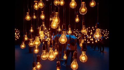 【葵芳好去處】11月英國光影舞蹈表演 閃爍鎢絲燈泡舞台香港有得睇!