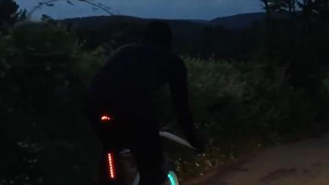 型格夜光單車登場!防盜+無需鐵鏈+輕巧方便