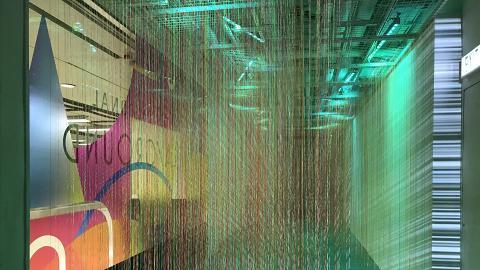 【聖誕節2018】尖沙咀K11商場聖誕螢光遊樂埸 潑墨塗鴉牆/空中光環樹