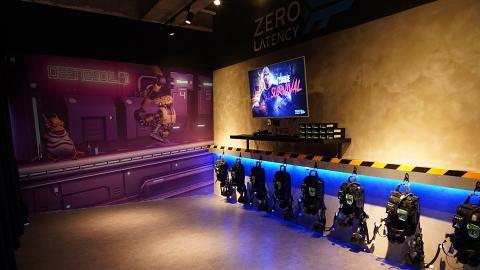 【觀塘好去處】2000呎VR體驗館Zero Latency  星際太空射擊/8 人連線打喪屍