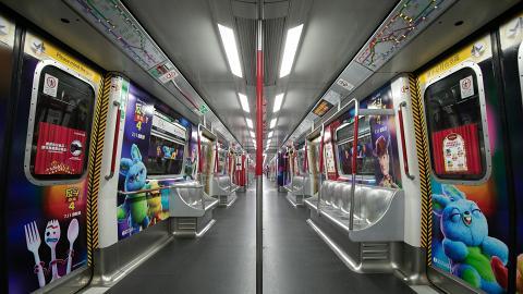 港鐵《反斗奇兵4》主題列車登場!期間限定於指定路線載客 陪粉絲搭車