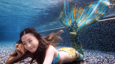【暑假好去處】香港有得玩美人魚體驗+水底攝影!2人同行7折/不限性別身高體重