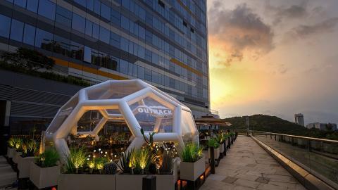 【東涌美食】全港首間Outback巨型泡泡屋進駐東涌 3,000呎平台花園/森系設計