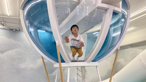 【親子好去處】荃灣新開英國製作室內遊樂場連cafe!熱氣球攀爬架/波波池/韆鞦