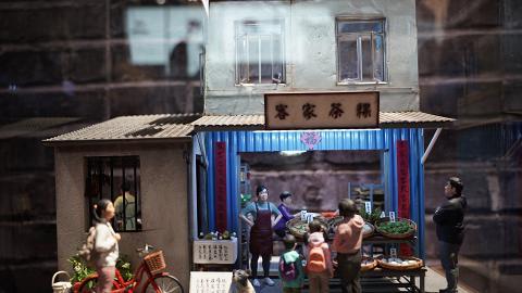 【尖沙咀好去處】1881免費睇香港故事微縮模型展!懷舊茶樓/髮廊+打小人影相位