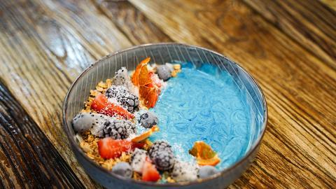 【太子美食】太子兩層高青花瓷Cafe 歎奶蓋鮮奶焙茶/黑芝麻心太軟/yogurt bowl