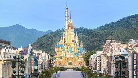 【迪士尼樂園】香港迪士尼樂園新城堡11月21日正式開幕!13個公主城塔亮相/入園可獲贈紀念品