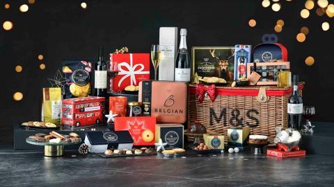 【聖誕禮物2020】馬莎M&S推出聖誕節系列食品 牛油果蓉批/聖誕布甸/禮盒套裝/發光雪球氈酒