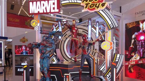 【暑假好去處】Hot Toys大型珍藏人偶展覽!MARVEL英雄雕像/COSBABY電影場景打卡位/周邊精品