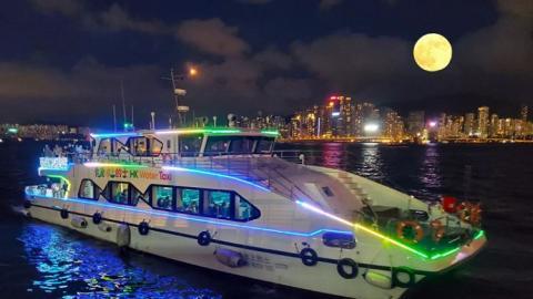 香港「水上的士」體驗船票$48起 加開中秋賞月航次!預約方法/船票收費/中秋優惠一覽