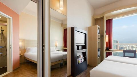 【ibis宜必思酒店】宜必思香港中上環酒店每晚$88起!Staycation優惠免費升級海景房連早餐+晚餐