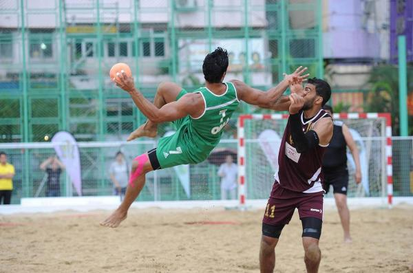 男子沙灘手球