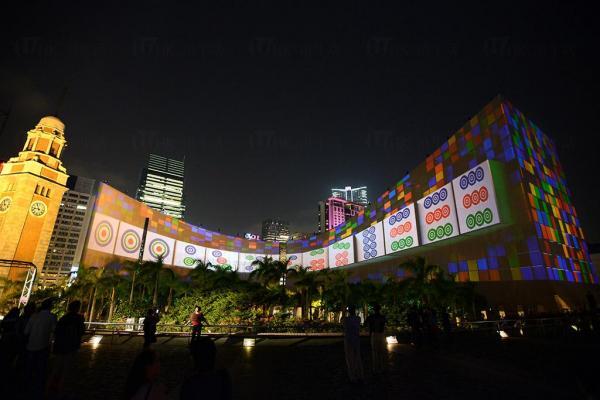 富本土特色的「麻雀」@「閃躍維港」3D光雕匯演