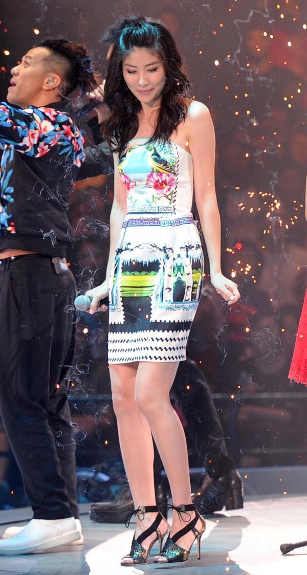 陳慧琳捐出去年出席雷頌德音樂會的晚裝