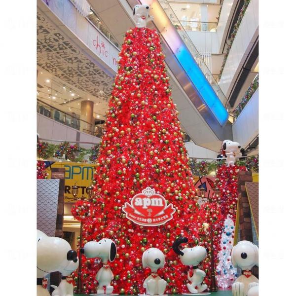 30呎Snoopy巨型聖誕樹。