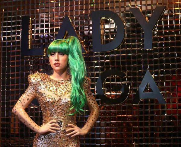 Lady Gaga蠟像新裝