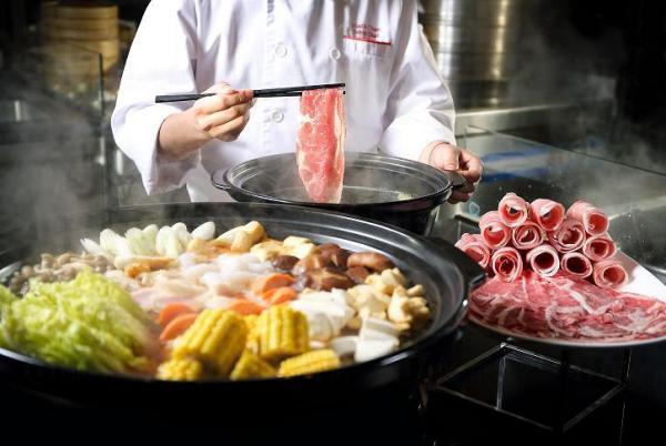 日式火鍋加上配以多款食材之壽喜燒,賣相非常吸引 (圖: 官方圖片)