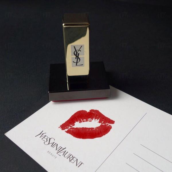 YSL Beauté明星唇印相展 送專屬唇印印章 (圖:官方提供)