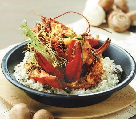 法式馬蘇里拉芝士焗龍蝦伴黑松露燴飯 (圖: Italian Tomato)