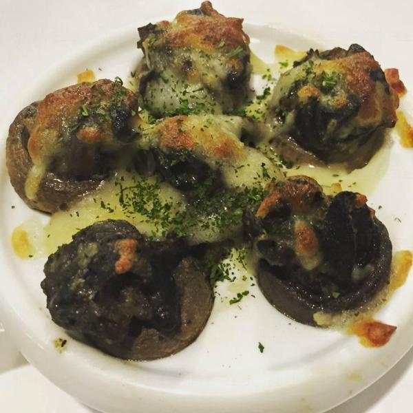 法式焗田螺(圖:FB@MAGE Kitchen魔膳廚房)