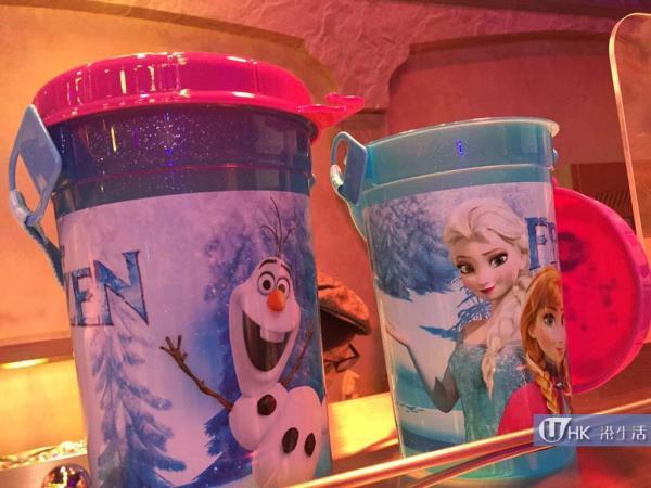 《魔雪奇緣》主題商品及冰雪小鎮特色小食