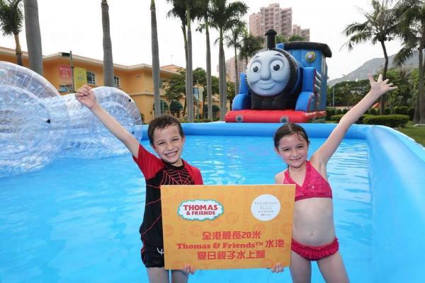 20米Thomas & Friends充氣水池 黃金海岸有得玩!(圖: FB@Gold Coast Piazza)