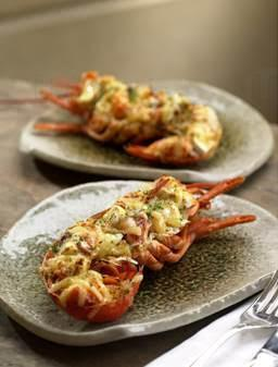 日式蟹籽焗半隻龍蝦