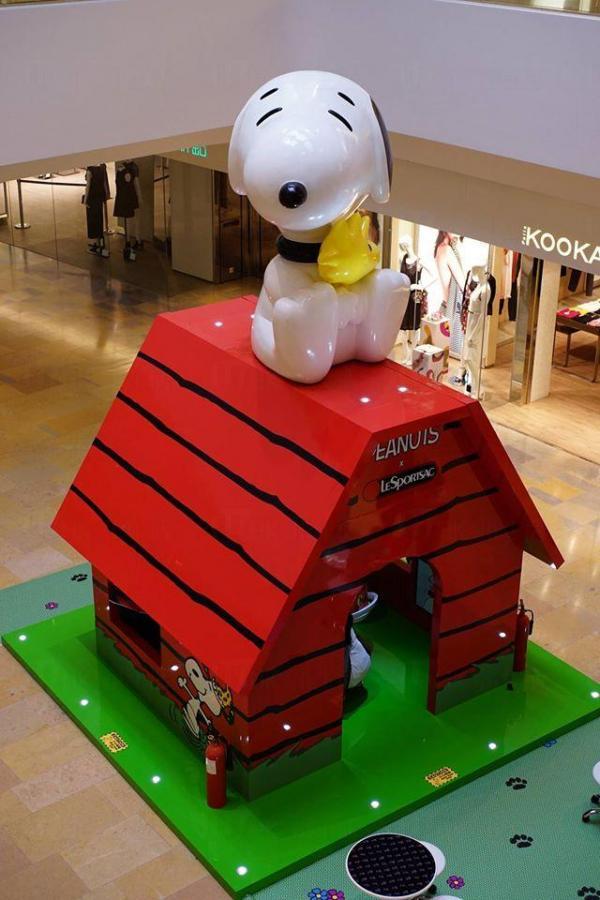 期間限定! 金鐘5米高Snoopy小屋(圖:fb@LeSportsac hong kong)