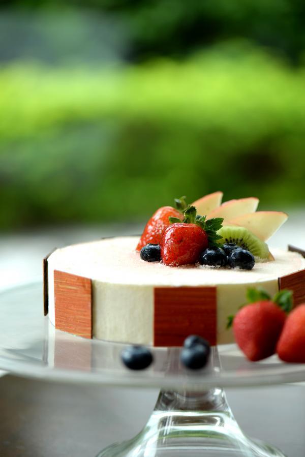 柚子白桃蛋糕