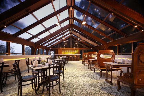 玻璃屋頂餐廳