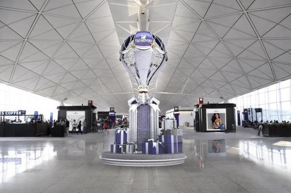 香港國際機場 SWAROVSKI Bling Bling裝飾迎聖誕