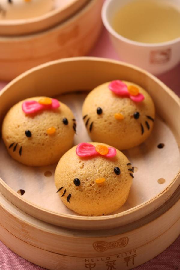 2. Hello Kitty馬拉糕 $15/個