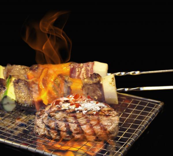 「海鮮巨塔x冬日果漾燒烤」自助晚餐