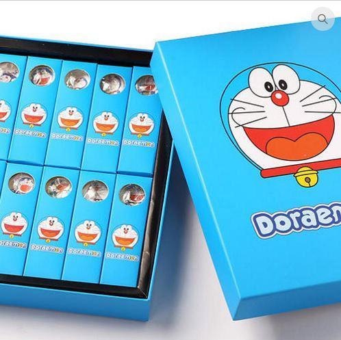 多啦A夢亦是陪伴大家成長的經典卡通人物(圖:EVERYWHERE HK官網)