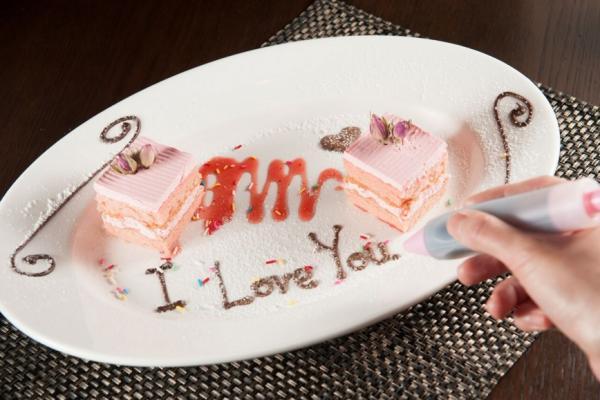 粉紅忌廉蛋糕