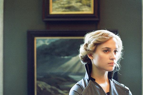 Alicia Vikander as Gerda Wegener-《The Danish Girl》(丹麥女孩)(圖:http://cdn1-www.afterellen.com/)