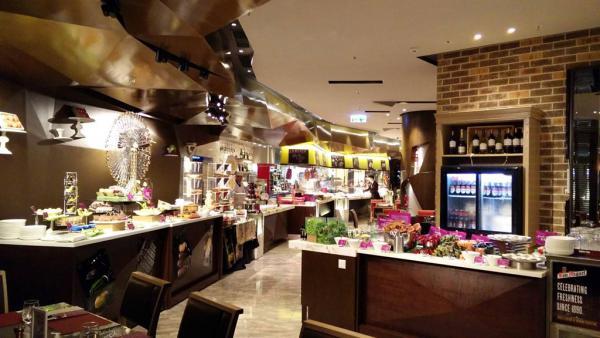 周二65折、小童免費!將軍澳酒店「春蠔‧花嚐」自助餐(圖:FB@Crowne Plaza Hong Kong Kowloon East)