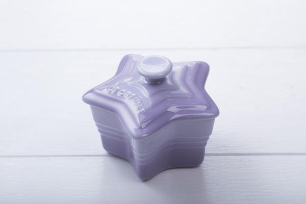 Le Creuset X 古巨基甜品店!獨家出紫色星星迷你鍋
