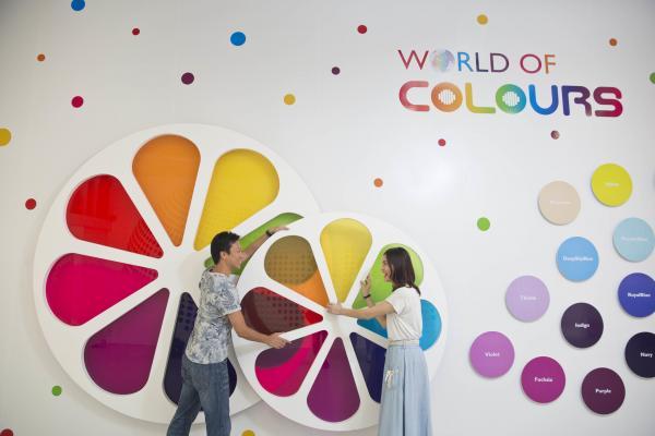 愉景灣夏日兩大新設施 75米充氣迷宮+色彩互動樂園