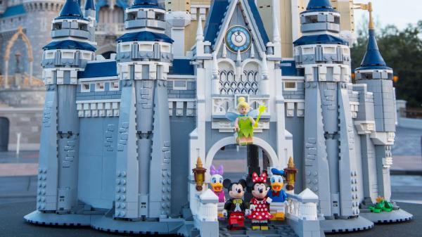 自己動手砌!LEGO推迪士尼睡公主城堡