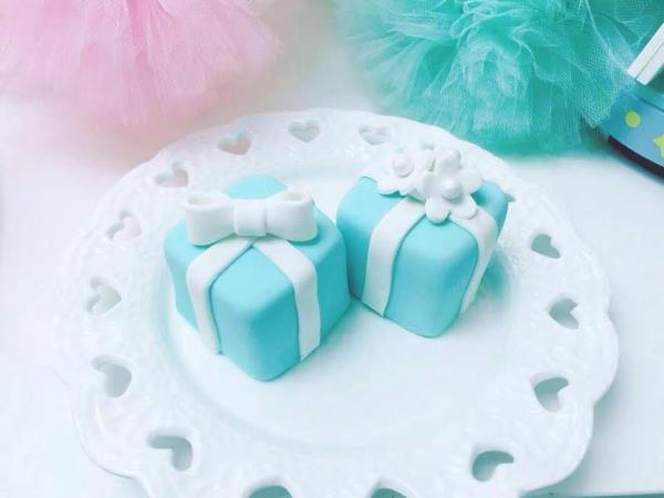 棉花糖禮物盒蛋糕